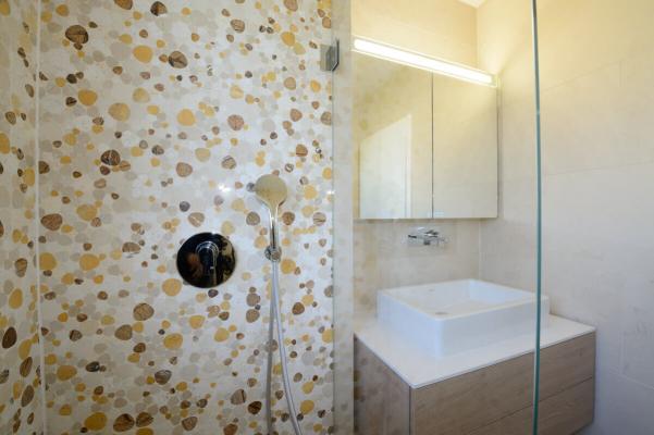 Une mosaïque galets pour ma salle de bain ?