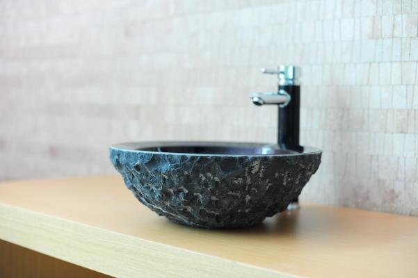 Optez pour une vasque en pierre naturelle ?