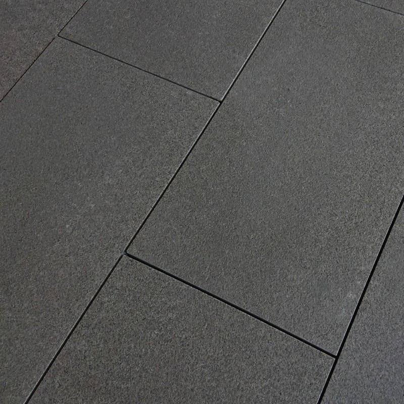 Dallage extérieur Granit Noir Pierre Naturelle