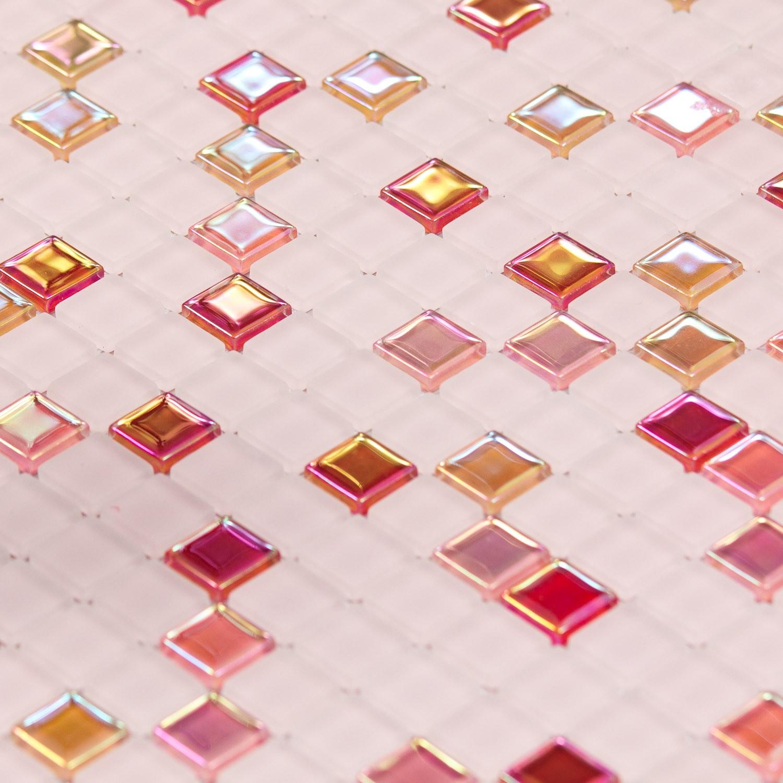 Mosaïque en verre rouge