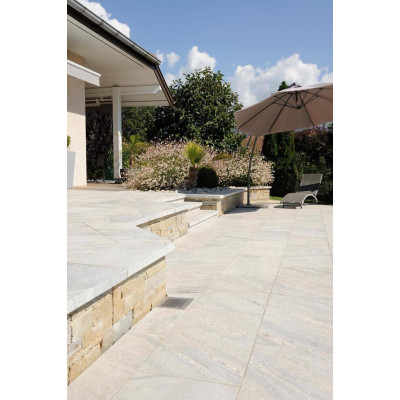 Dallage pierre naturelle Montana White pour terrasse