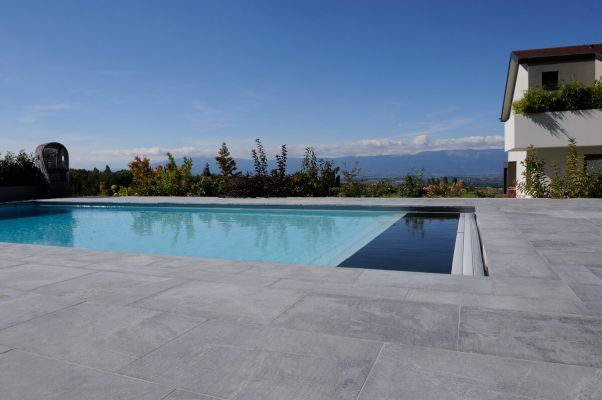 Piscine et terrasse dallage granit Albiana